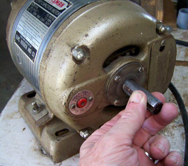 Make An Electric Motor Run Again Electric Motor Electricity How Electric Motors Work