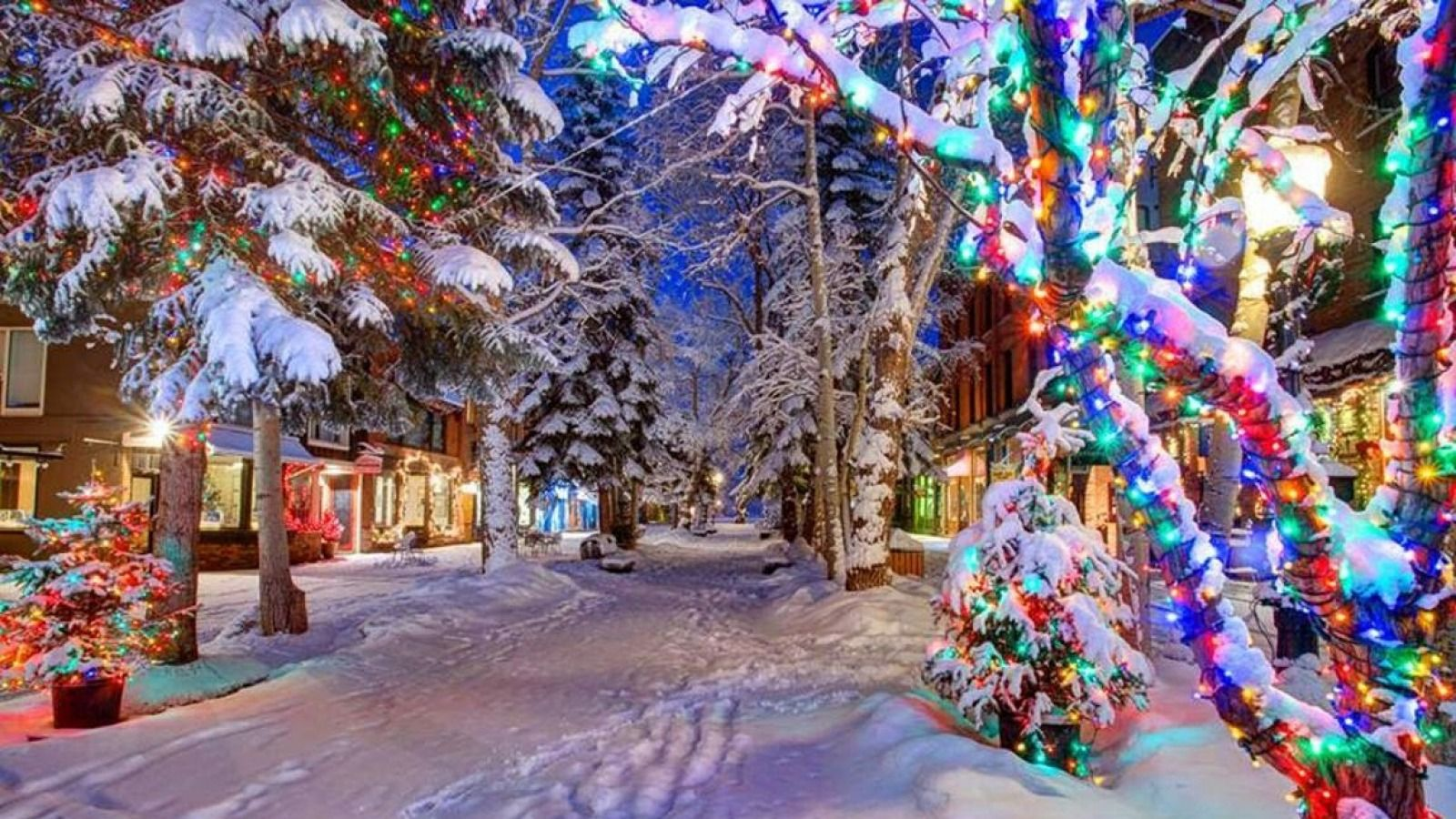 These 5 Small Towns In Colorado Turn Magical During The