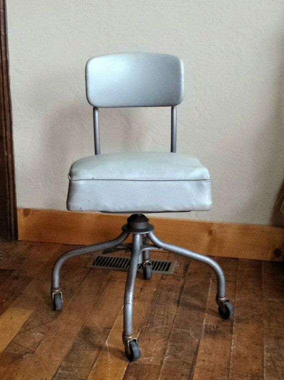 Vintage Industrial Desk Chair Made By Steelcase In The 1950s. This  Industrial Office Chair Has A Light Gray Vinyl Upholstery Which Is In Good
