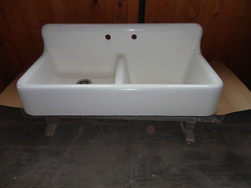 farmhouse apron sink kitchen