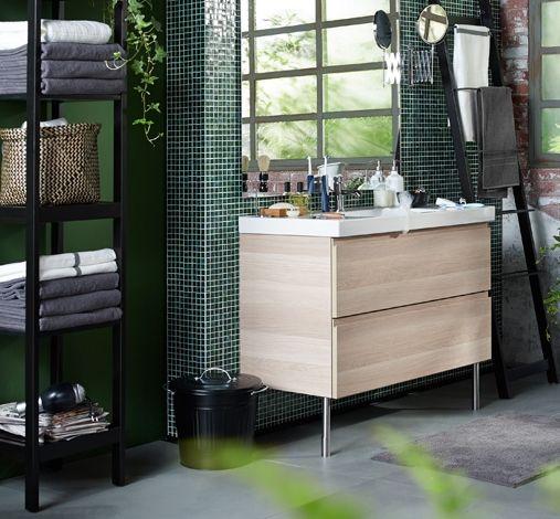 Badkamer met meubels van IKEA: badkamermeubel GODMORGON ...