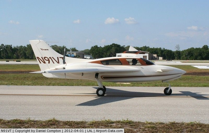 the new twin engine Velocity VTwin airplane Aircraft
