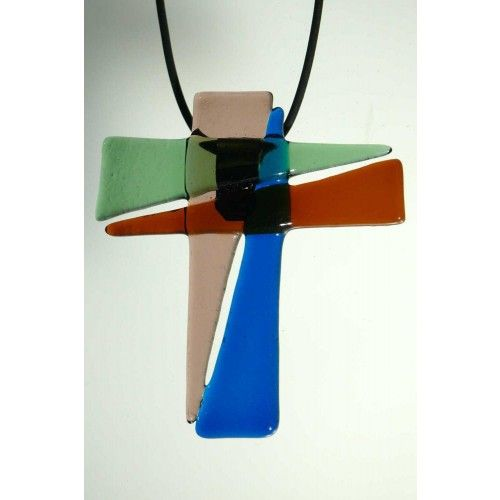 Dieses ganz besondere Kreuz (ca. 6 x 7 cm) wurde von mir in meinem Atelier entworfen und unter Verwendung genau dieser Farben zum persönlichen Glaubensbekenntnis erschaffen.    Es handelt sich um ein Unikat.
