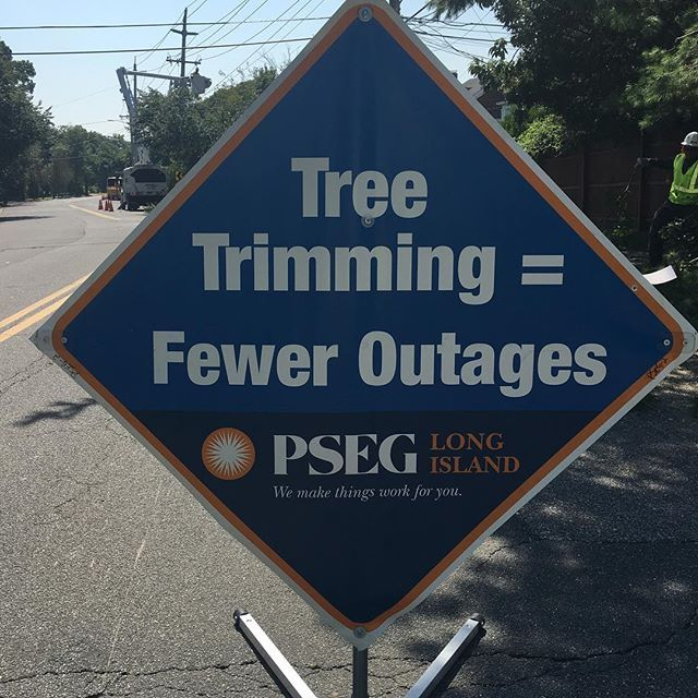 Thanks @PSEGLI for the new signs to help spread the word: tree