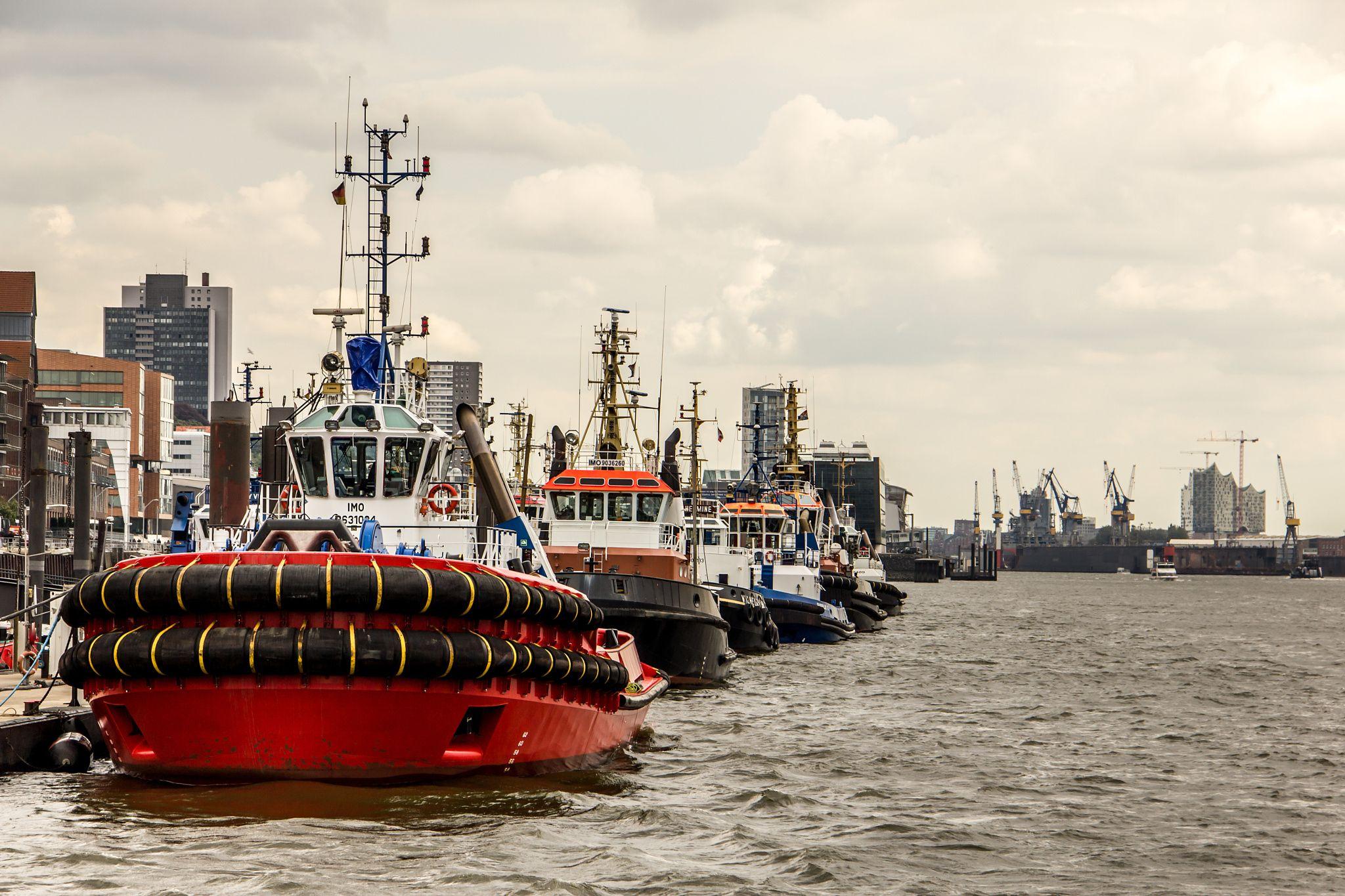 Haulers in the Port of Hamburg by Michael Schloz on 500px. #hauler #tugboat #portofhamburg #boats #elbe #hamburg #photography