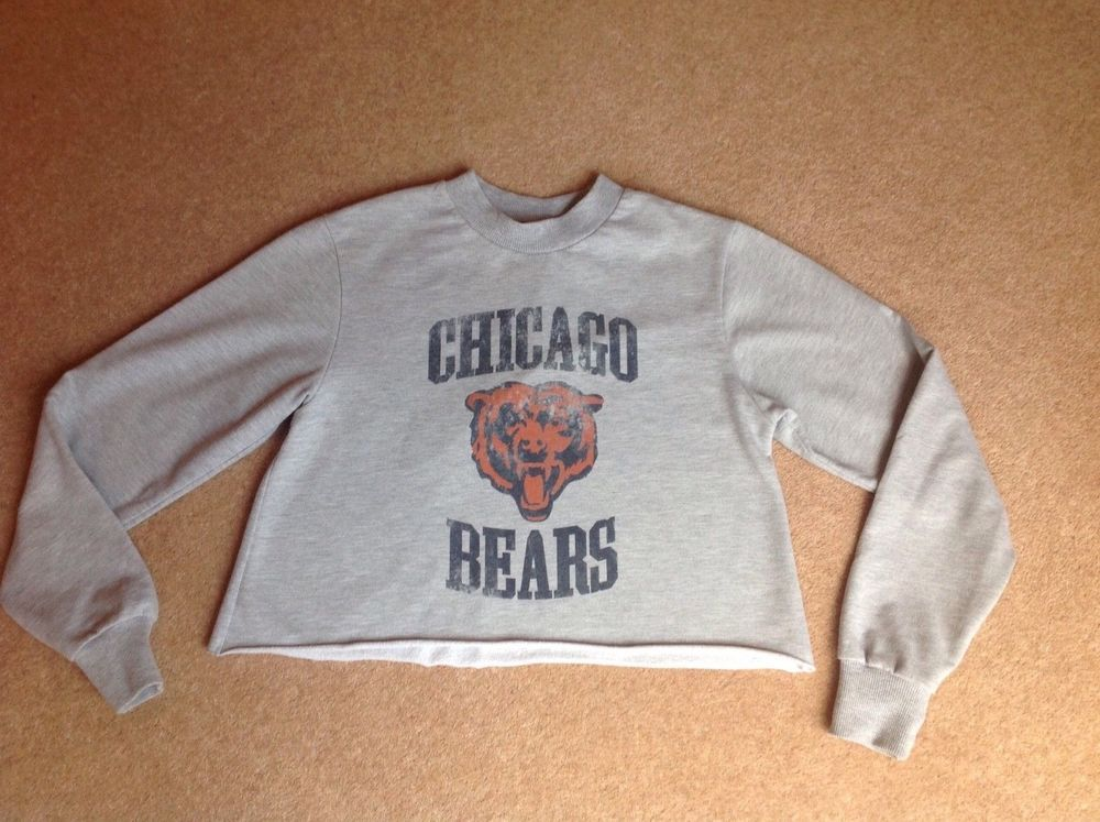 e7b24f6d Ladies grey cropped sweater size 6 TOP SHOP - Chicago Bears motif ...