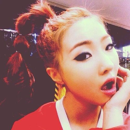 Girl group 2NE1's member Minzy revealed her increased beauty. #2ne1