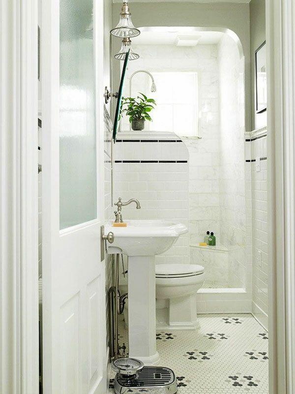 baddesign mit weißer ausstattung - deko pflanze und spiegelschrank - neues badezimmer ideen