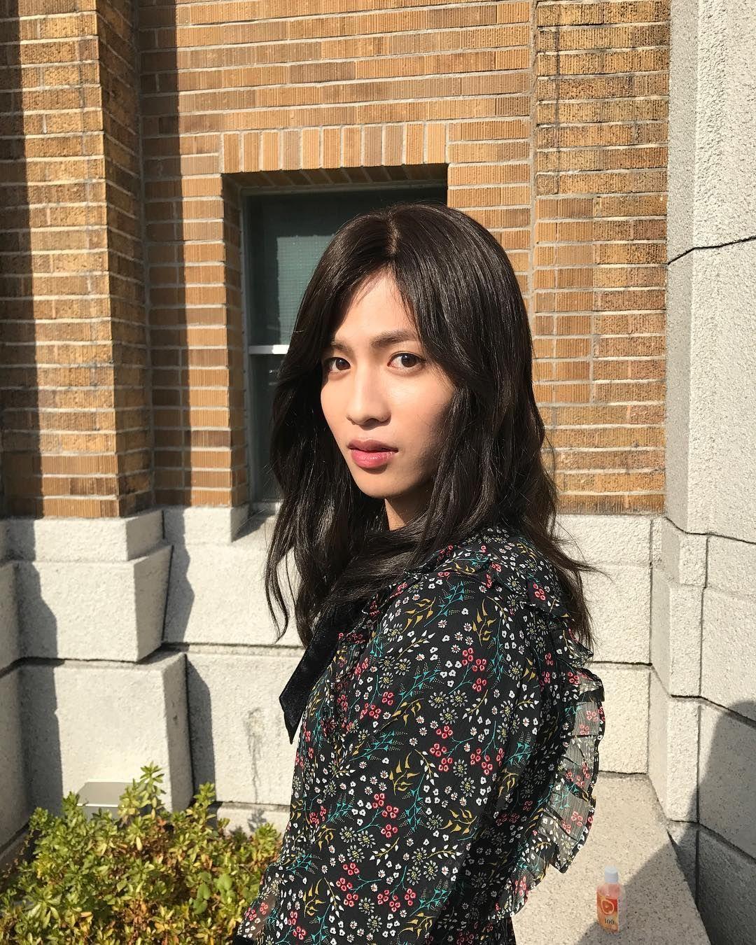 女子役・志尊淳に「完全に負けた」の声 小芝風花とキスシーンも…攻めた初回に反響<女子的生活> - モデルプレス