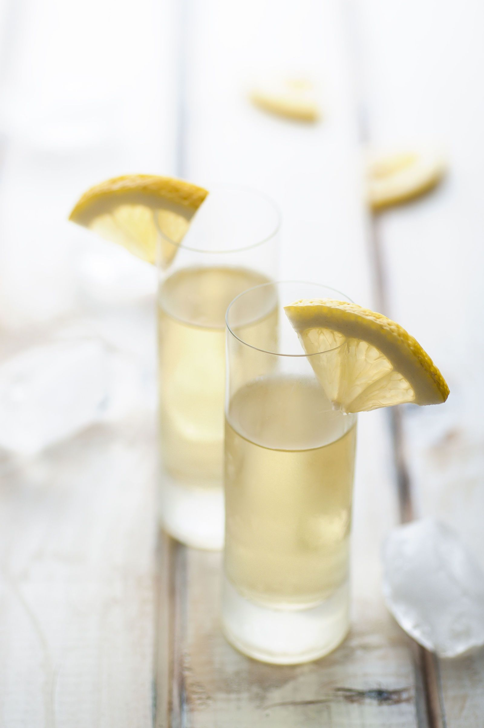 5 cocktails made with limoncello the ultimate summer for Cocktail limoncello