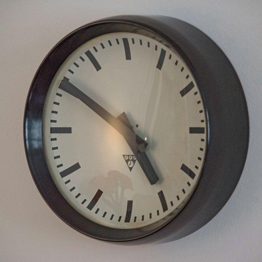Pragotron Industrieuhr Fabrikuhr Wanduhr Bakelit Uhr 60er 31 T 8 Mid Century Bahnhofsuhr 50er Jahre 60er