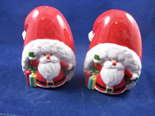 Santa in a Hat Novelty Salt & Pepper Shaker Set - Martha Stewart Collection on Ebay