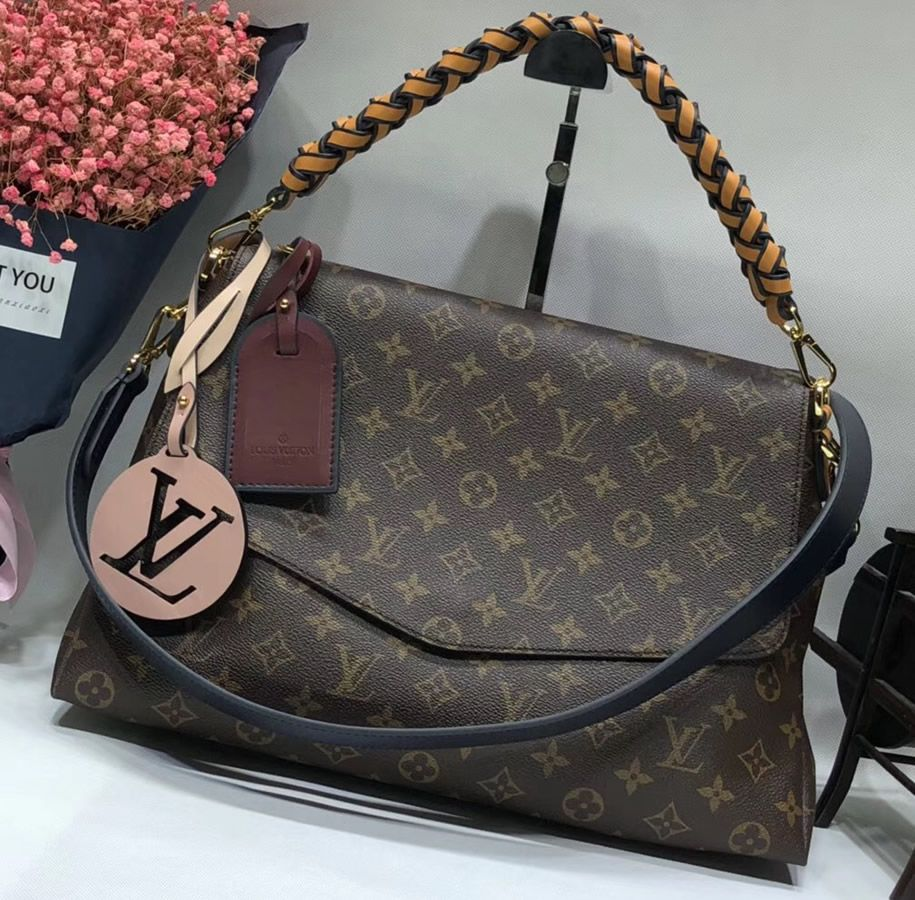 Online Shopping For A Louis Vuitton Monogram Canvas Beaubourg Mm M43953 Usd 347 Free Shipping By Courier To You Louis Vuitton Louis Vuitton Handbags Vuitton