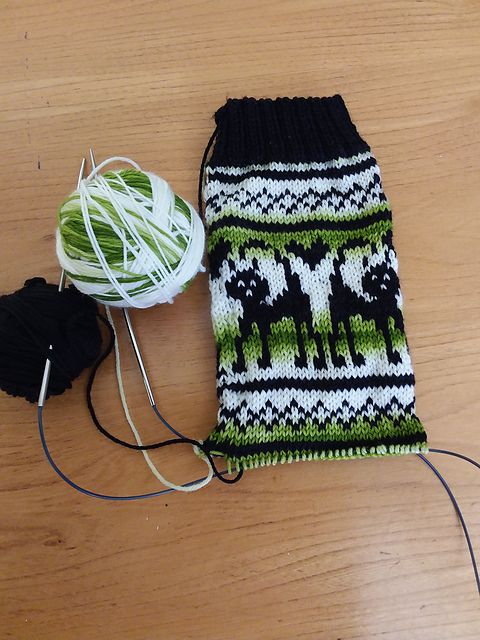 Ravelry: Angel's Claws for thought (Biscotte Sock Club 05-2017) no. 59