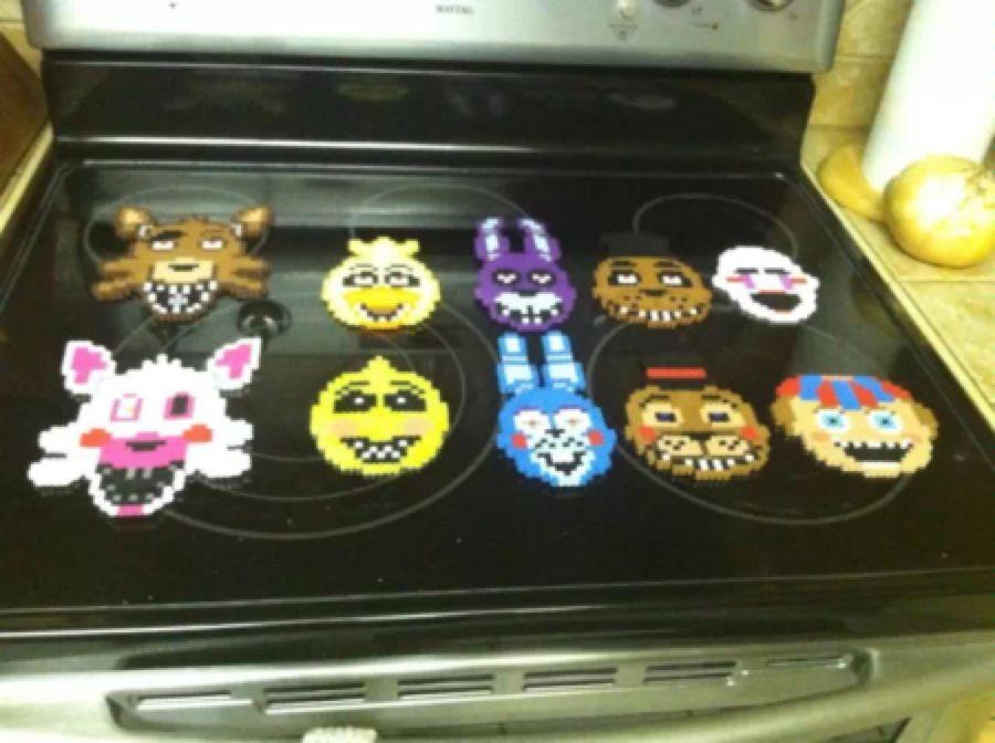 Five Nights at Freddys Perler | 8 bit sprites | Chica Bonnie ...
