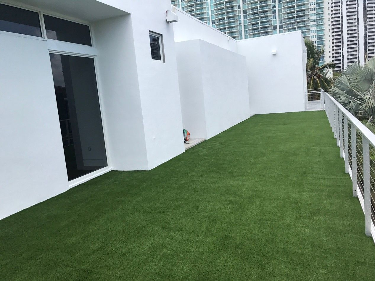 Balcony covered with fake grass in 2020 fake grass