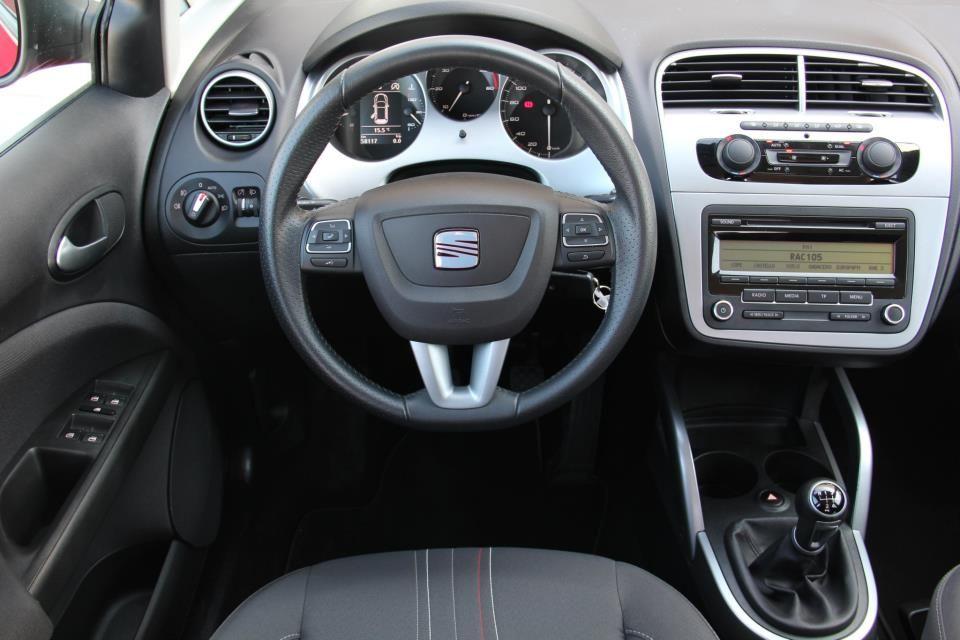 Interior Del Seat Altea Xl 1 6 Tdi Style Con Motor De 105 Cv En Oferta En Rekord Motor Sachen