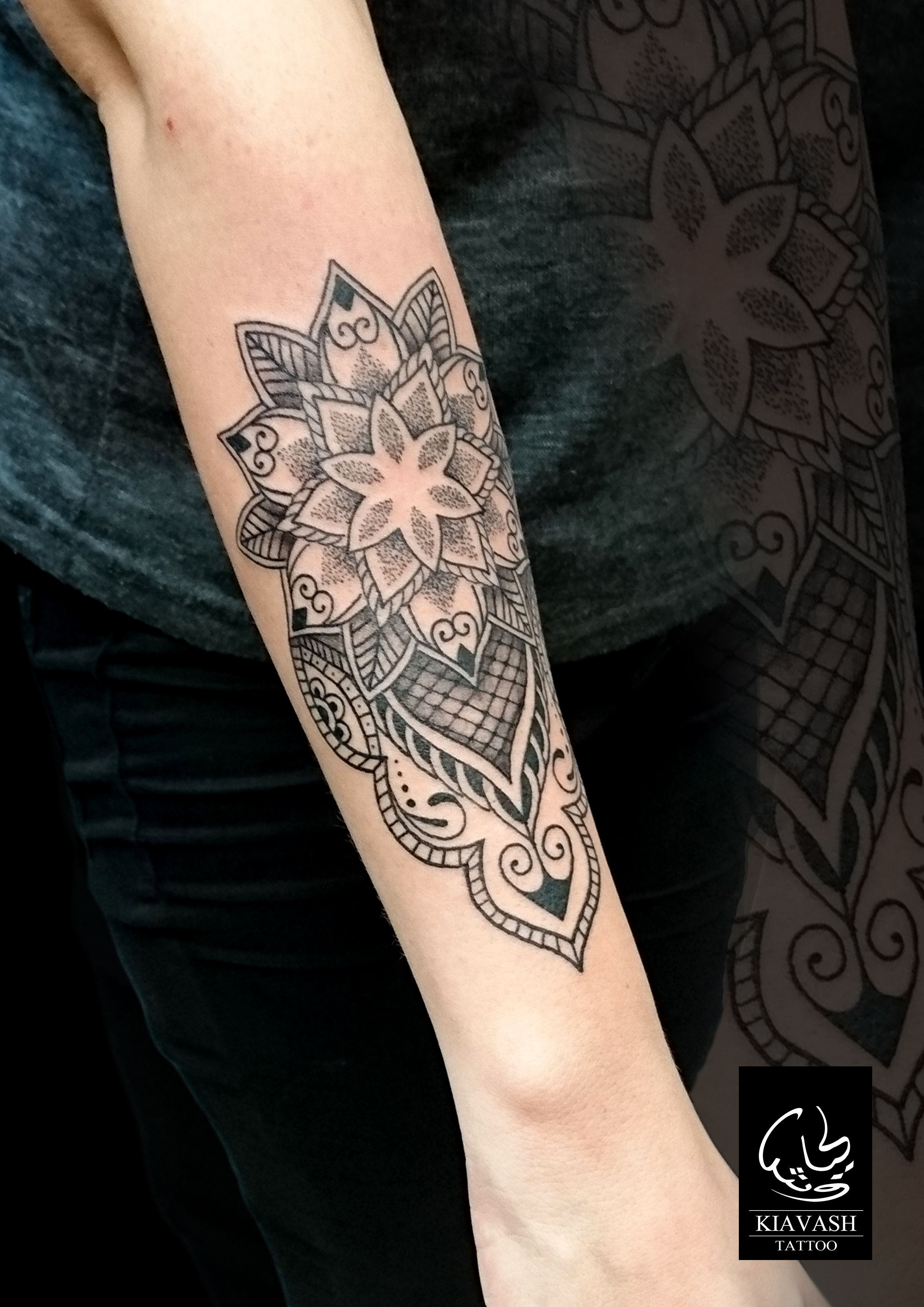 ed57d3c27 forearm ornamental tattoo for girl | tattos | Tattoos, Girl tattoos ...