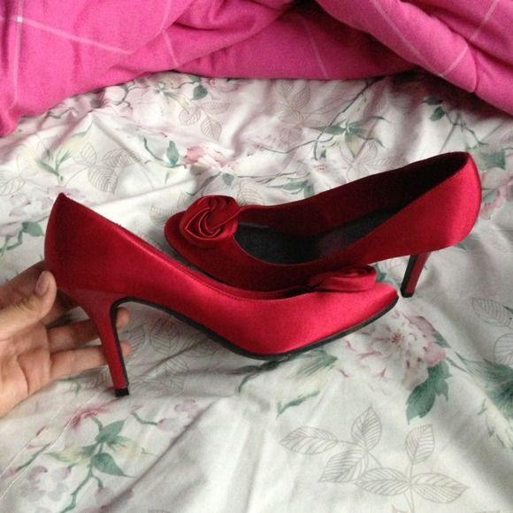 Only wore them once Red silky 3in pumps. Very comfortable!! :) Shoes