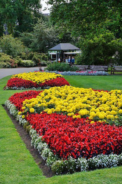 Victorian bedding #flowerbeds