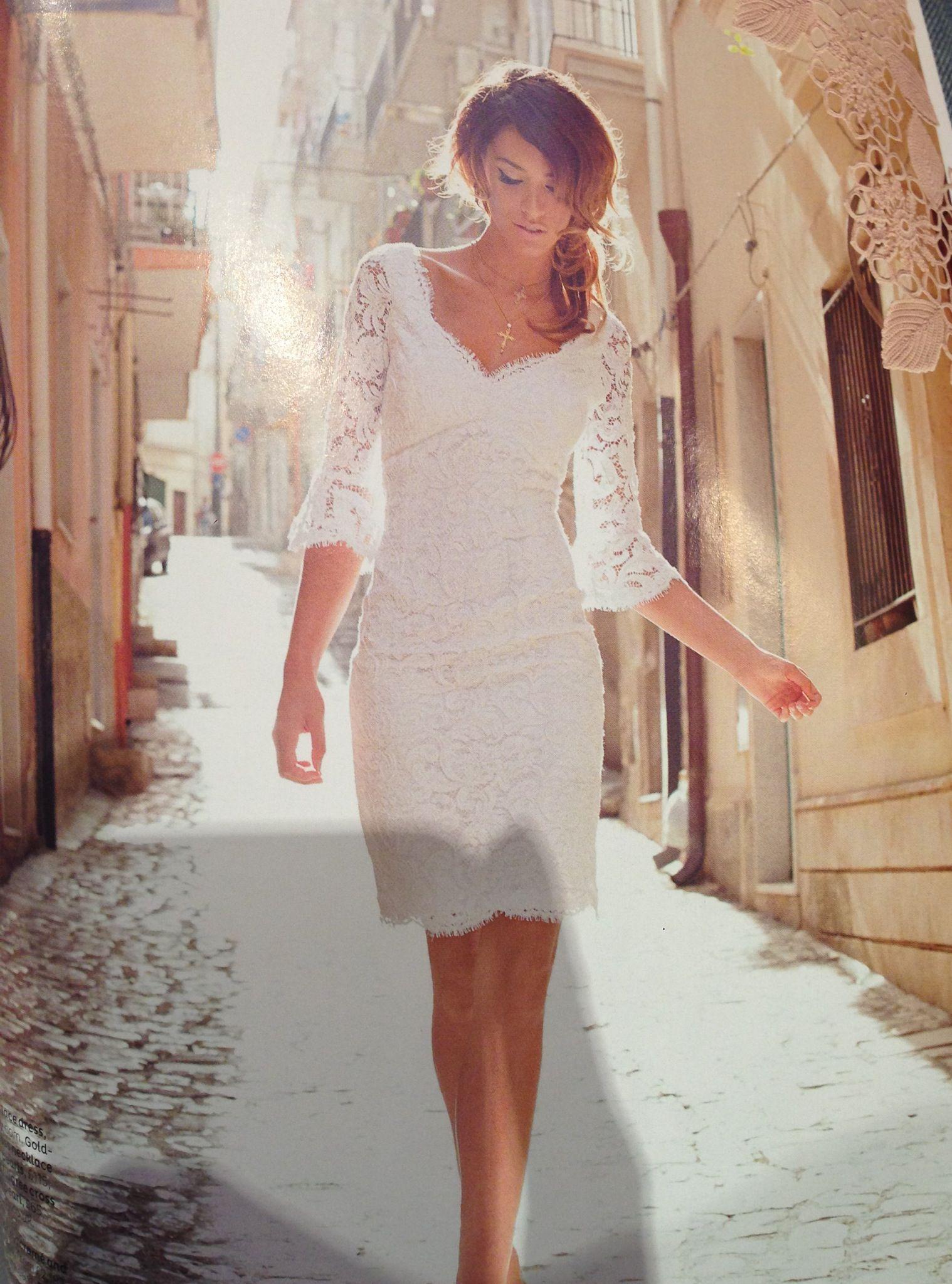Pin By Adriana Monroy On Boda Simple Wedding Dress Short Courthouse Wedding Dress Short Civil Wedding Dresses [ 2047 x 1518 Pixel ]