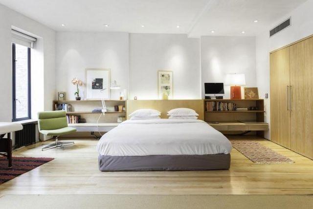 Schlafzimmer Modern Gestalten Doppelbett Holzregale Weiße Wande  Einbauschrank