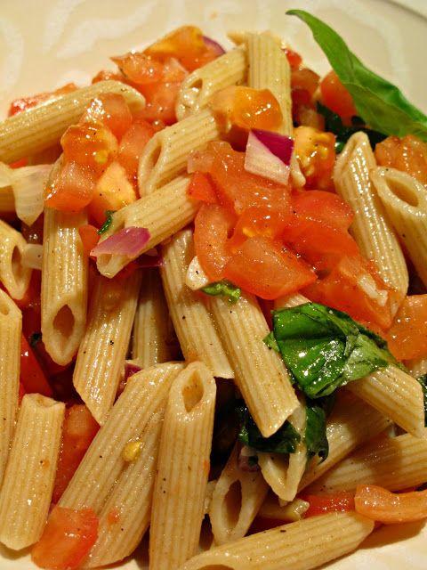Raikas tomaattipasta - Ruokapankki