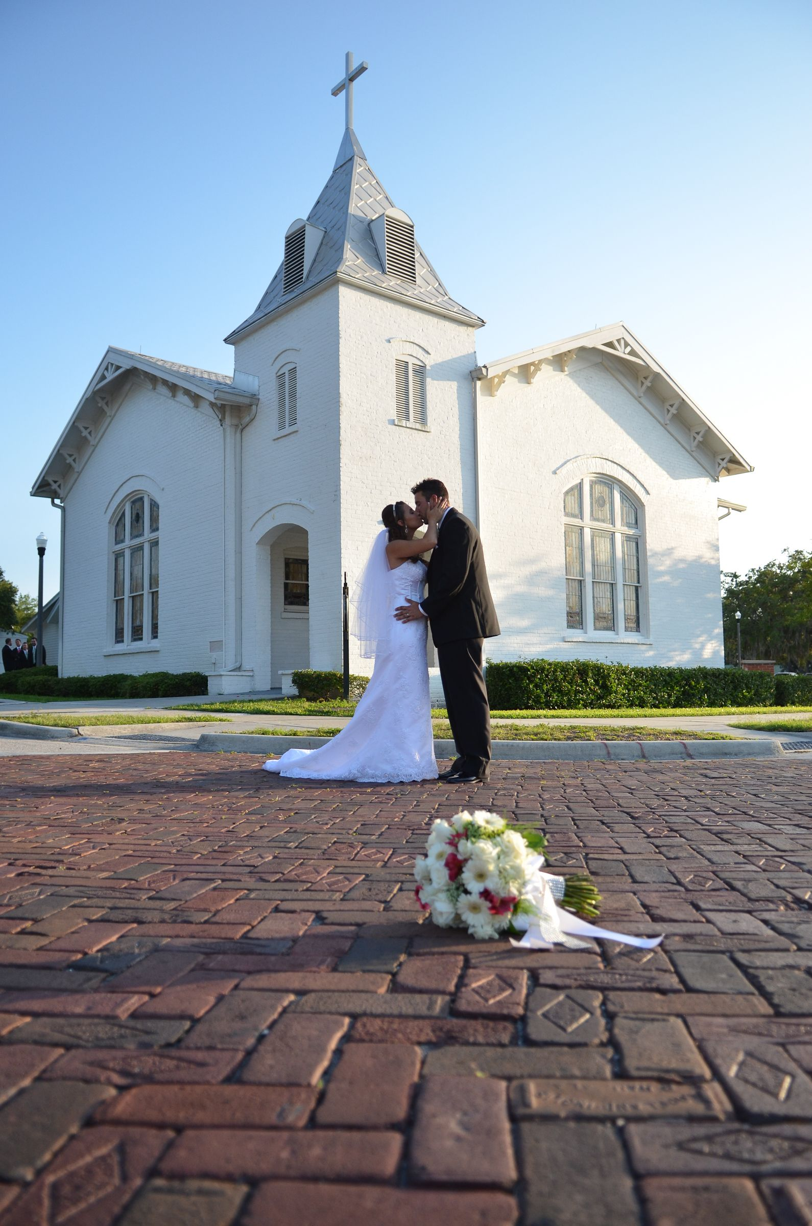 Reba Sutton White Chapel In Palm Harbor Florida Offers Great Scenery For Classic Photos