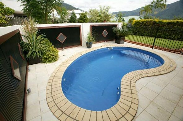 contemporary small kidney shaped swimming pool designs for small