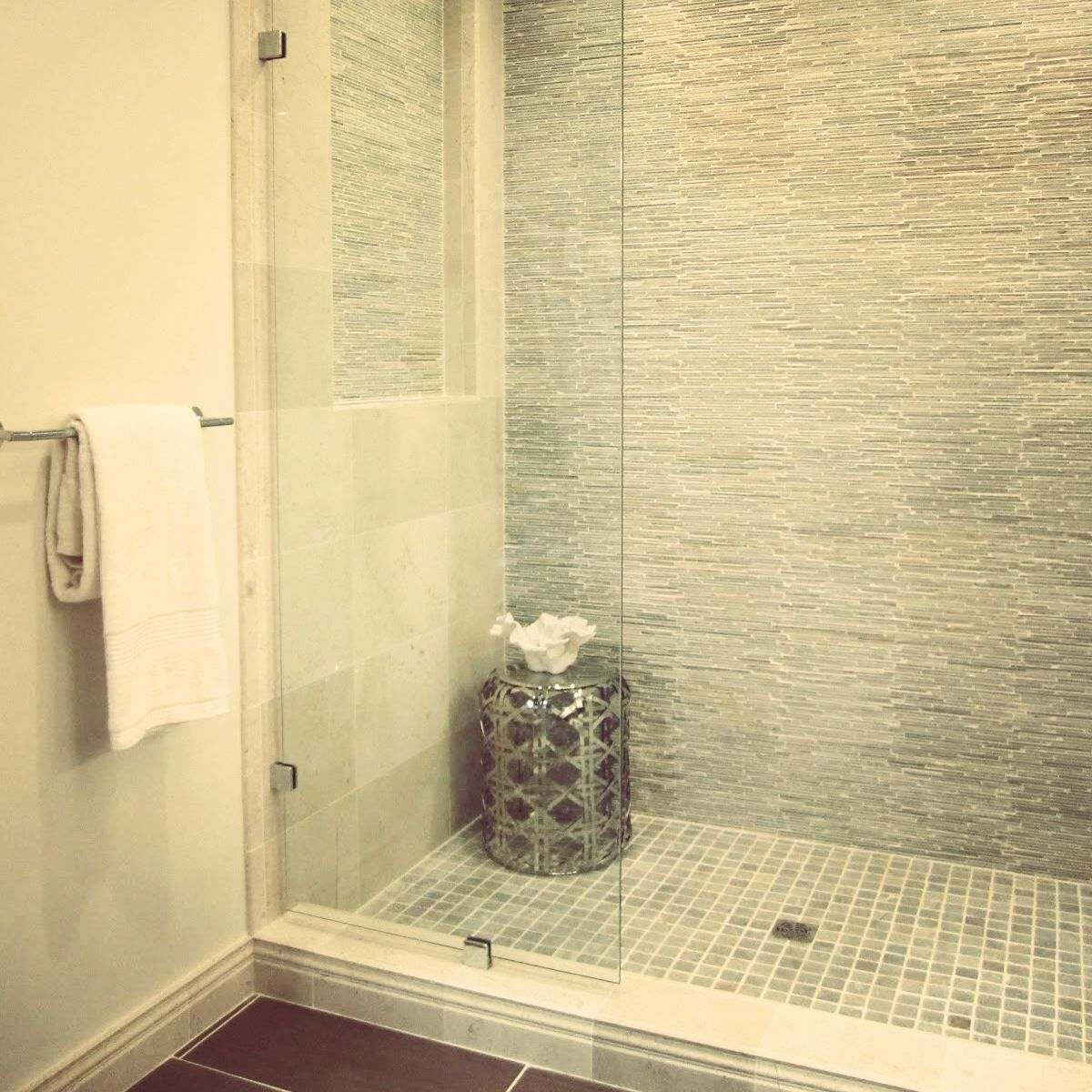 A mosaic textured shower wall | Bathroom | Pinterest | Mosaics ...
