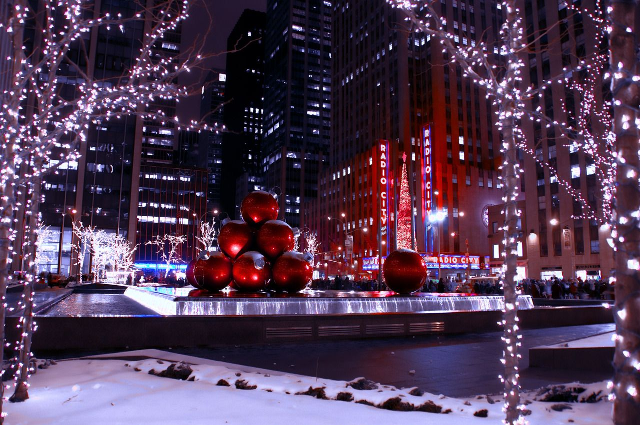The 10 Best Things About New York At Christmastime | Places to ...