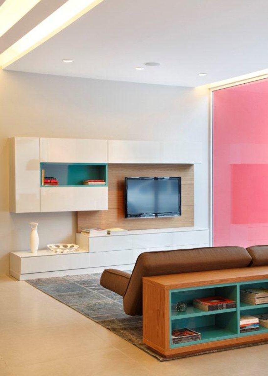 Painel Para Tv No Ático By Jack Móbiles: Estante Mobile Em Laqueado High Gloss Com Painel Em Rovere