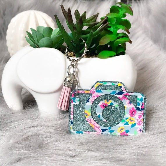 Glitter camera keychain- floral printed vinyl camera purse accessory- floral gray photographer keych #camerapurse