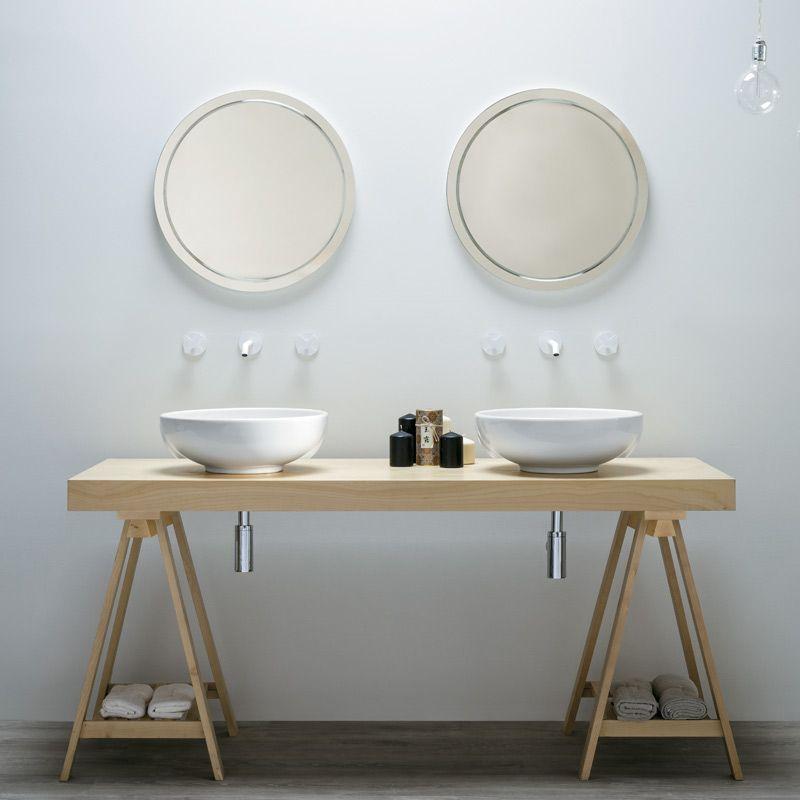 Un tavolo in betulla e 2 lavandini per una sobria ed elegante ...