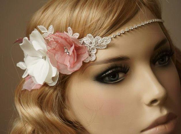 Braut haarband frisur  Einzigartiger Braut Haarband. Eine zarte Organza Blüte in der ...