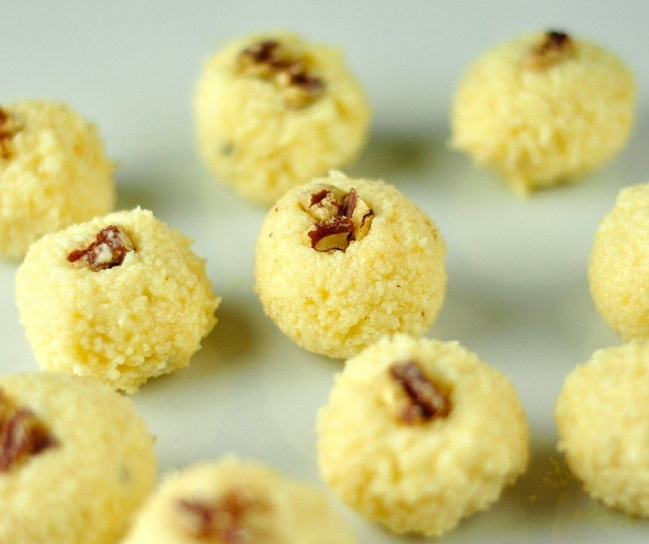 Malai Ladoo Is An Easy And Delicious Indian Sweet Recipe With Paneer And Condensed Milk If You Have Paneer H Indian Sweet Sweet Recipes Indian Dessert Recipes