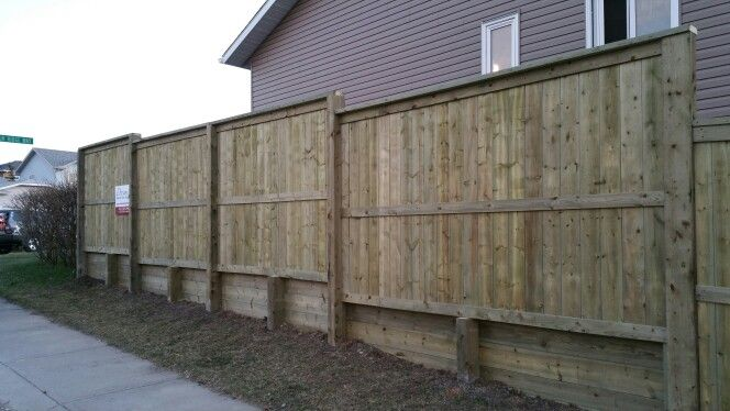 Fortress Style Fence With 4x6 Posts On Top Of Retaining Wall Www Dreamdeckandfence Ca Retaining Wall Outdoor Decor Fence