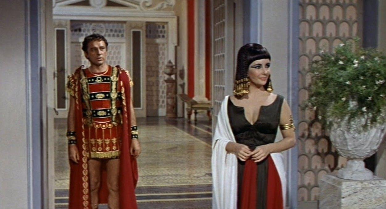 Cleopatra Elizabeth Taylor And Richard Burton 1963 Elizabeth Taylor Cleopatra Elizabeth Taylor Cleopatra Costume