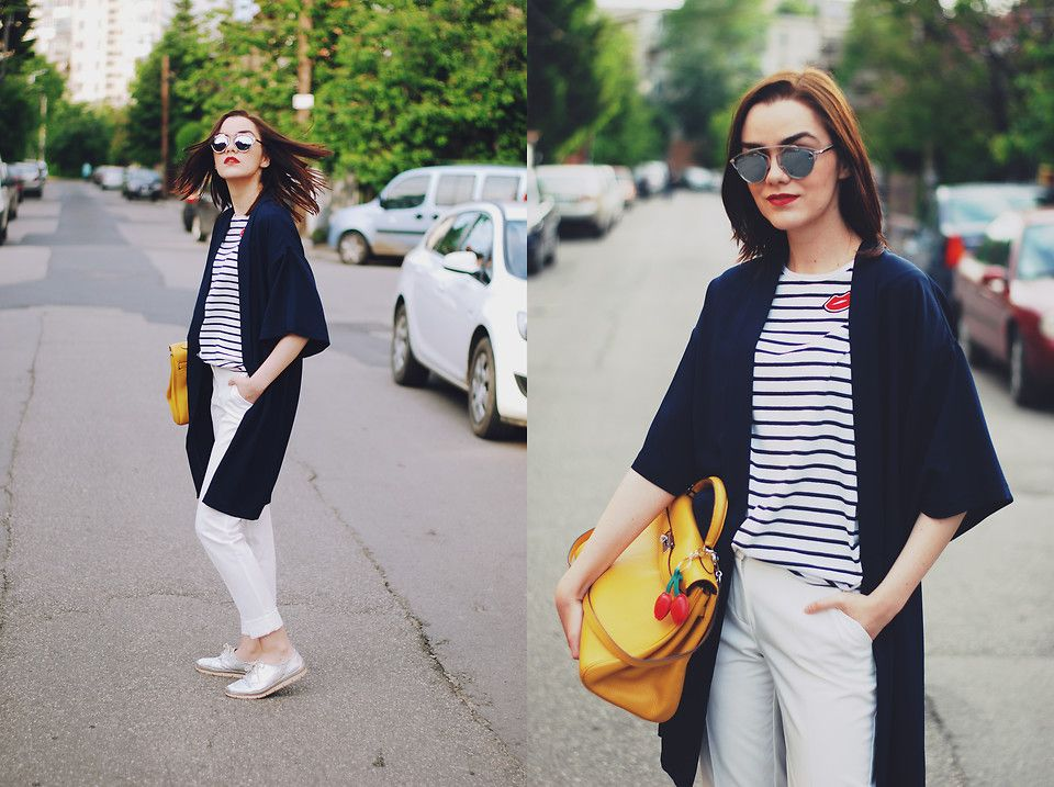 Andreea B. - Striped tshirt : spring must-have