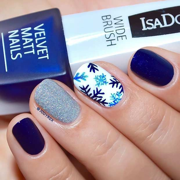29 Easy Winter And Christmas Nail Ideas Snowflake Designs Navy