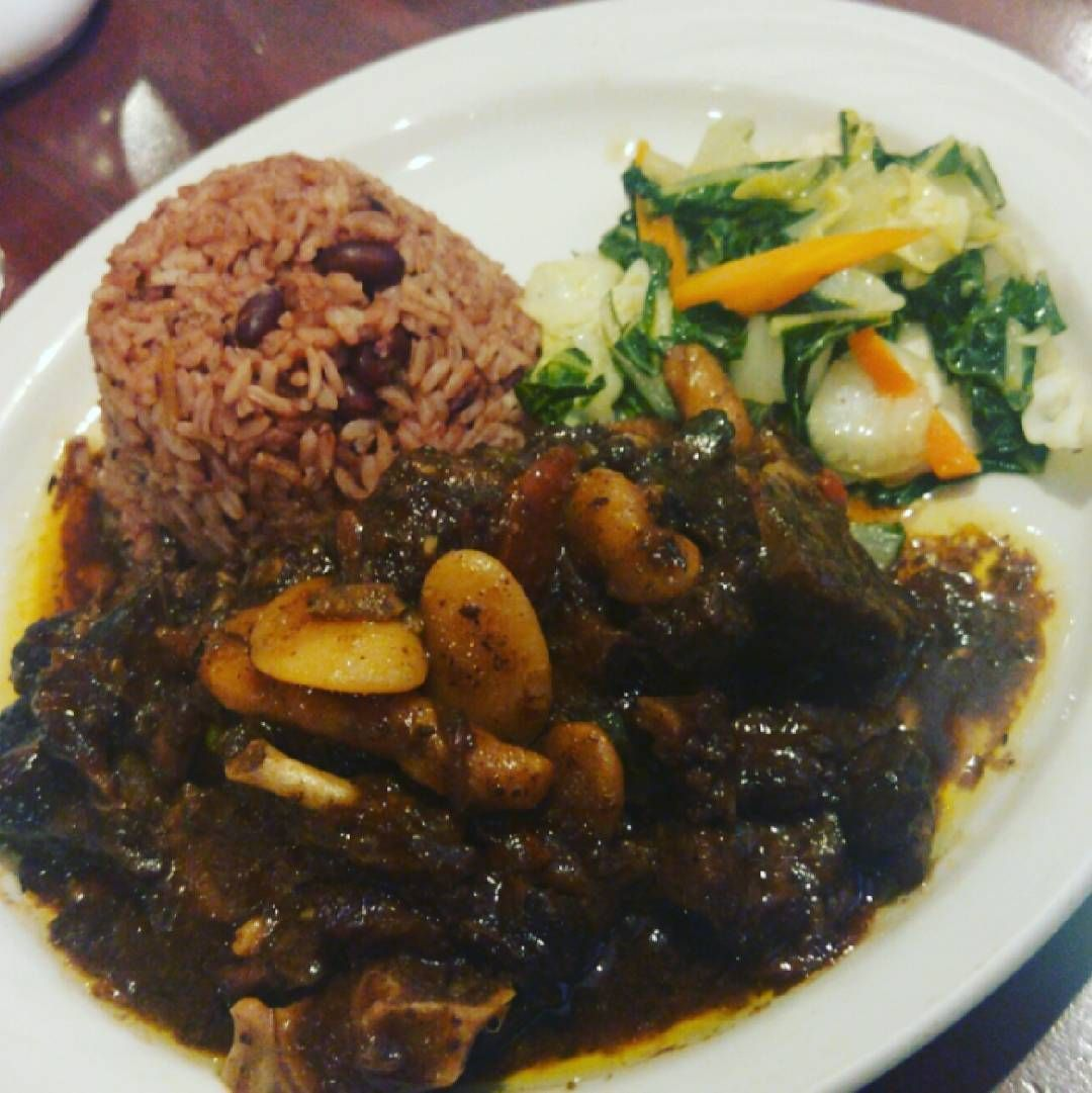oxtails rice and peas and stirfry veggies jamaicanfood