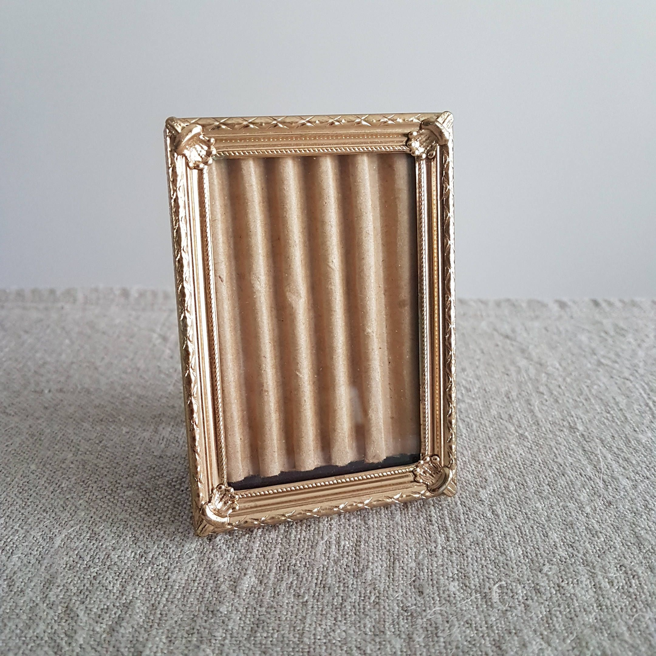2 14 X 3 14 Gold Metal Picture Frame Small Wallet Size Photos