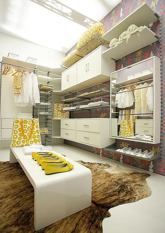 Begehbarer Kleiderschrank Einrichtungen mit begehbaren