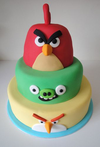 angry birds cake r ception anniversaire pinterest id e recette r ceptions et anniversaires. Black Bedroom Furniture Sets. Home Design Ideas