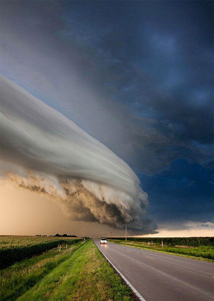 Shelf Cloud North Of Kearney