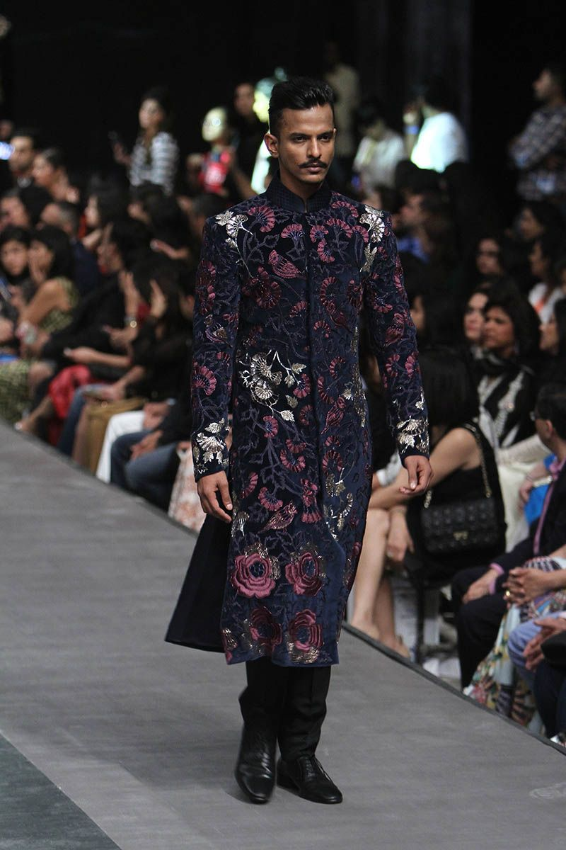 Manish malhotra lfw wf u indian couture bollywood saree