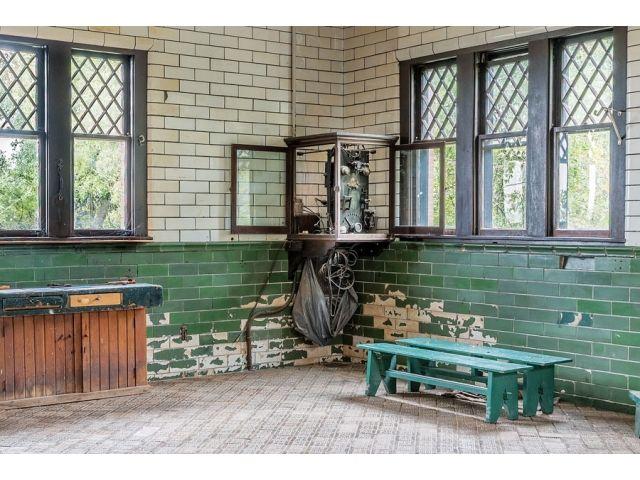 Inside Glensheen Manor