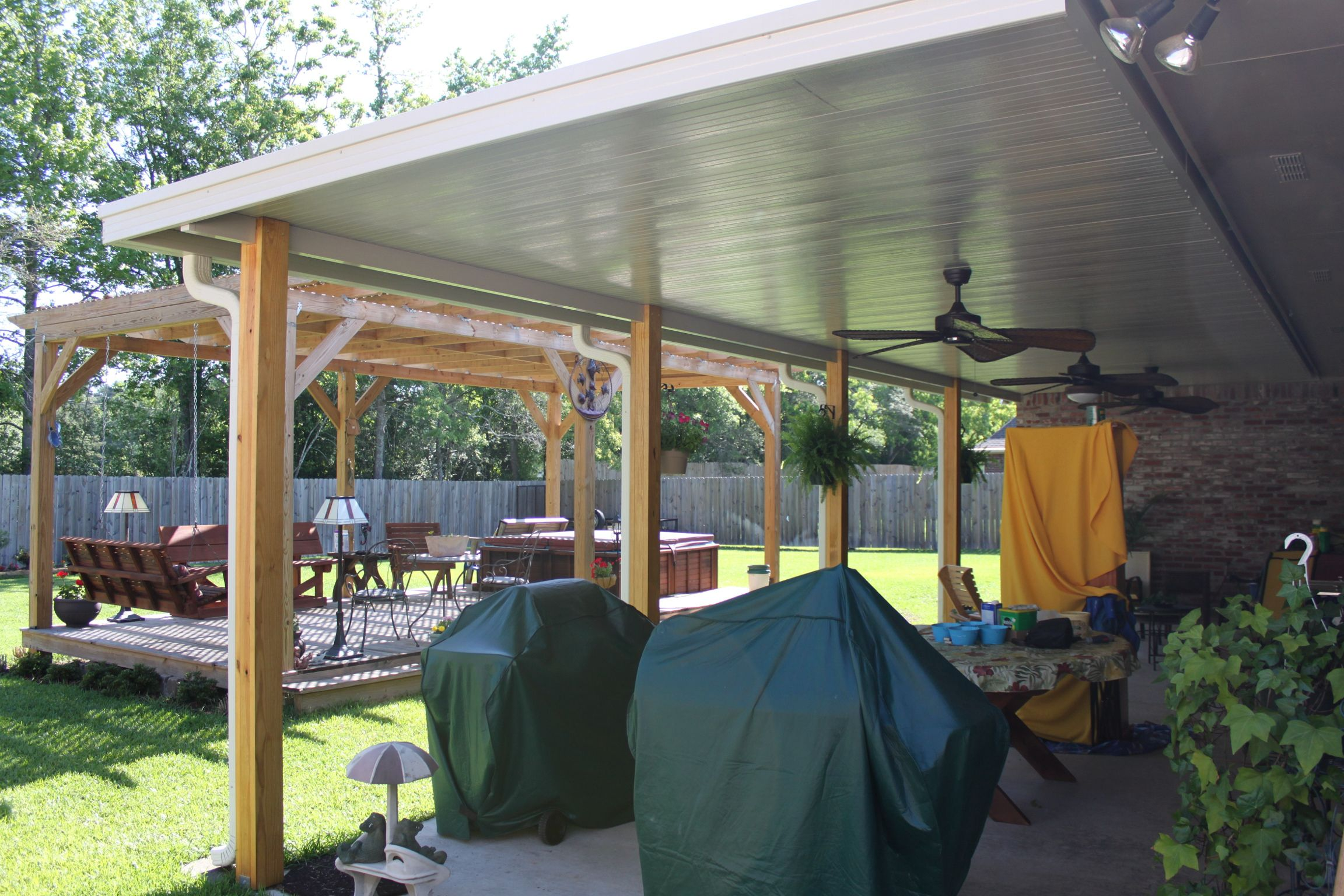 patio cover with wooden posts