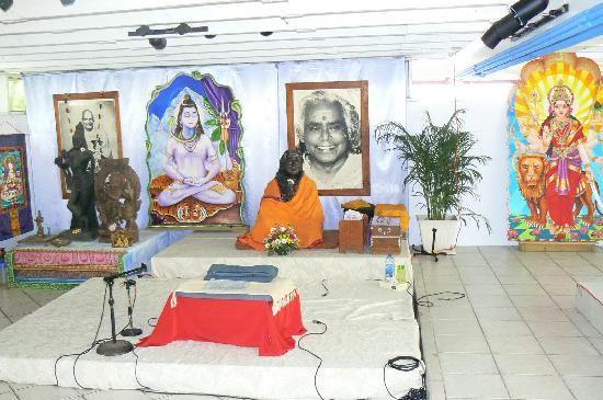Sivananda Ashram Yoga Retreat: a peek at the Temple