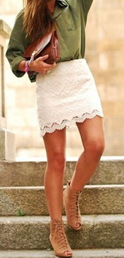 lace skirt and oversized top... super cute!